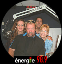 Mario Grenier, presenter at CHIK-FM from Québec City, along with Esther, swinger, Sofie and Jean from AE QSA.